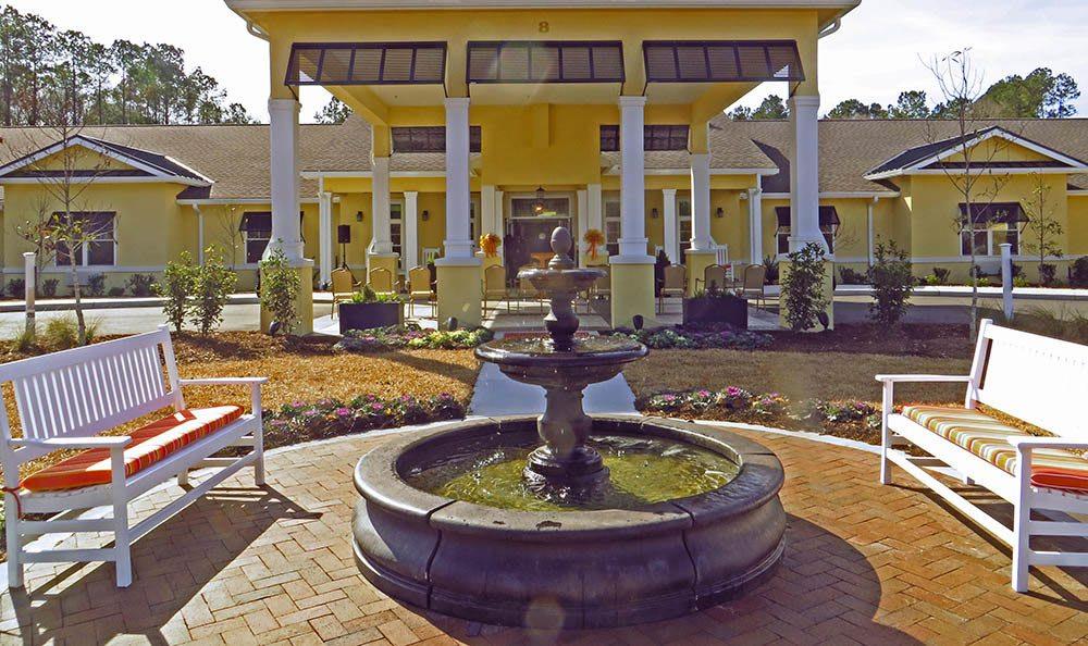 Courtyard at Benton House of Bluffton in Bluffton, SC