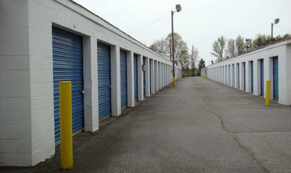 Features at our self storage location in High Point
