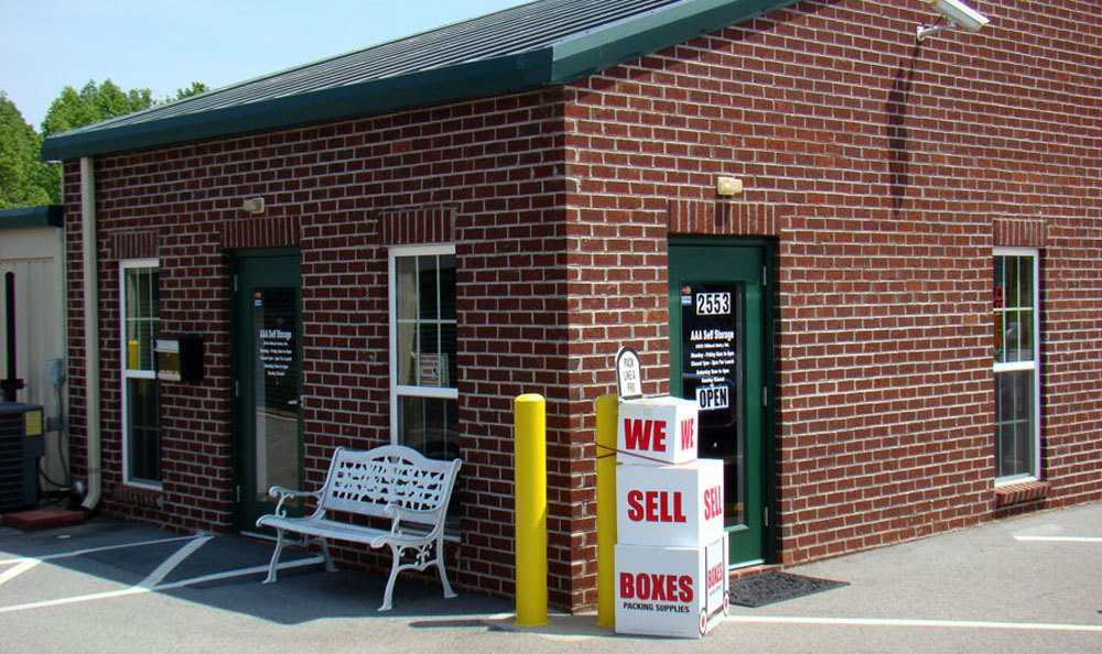 Excellent self storage options and prices in High Point