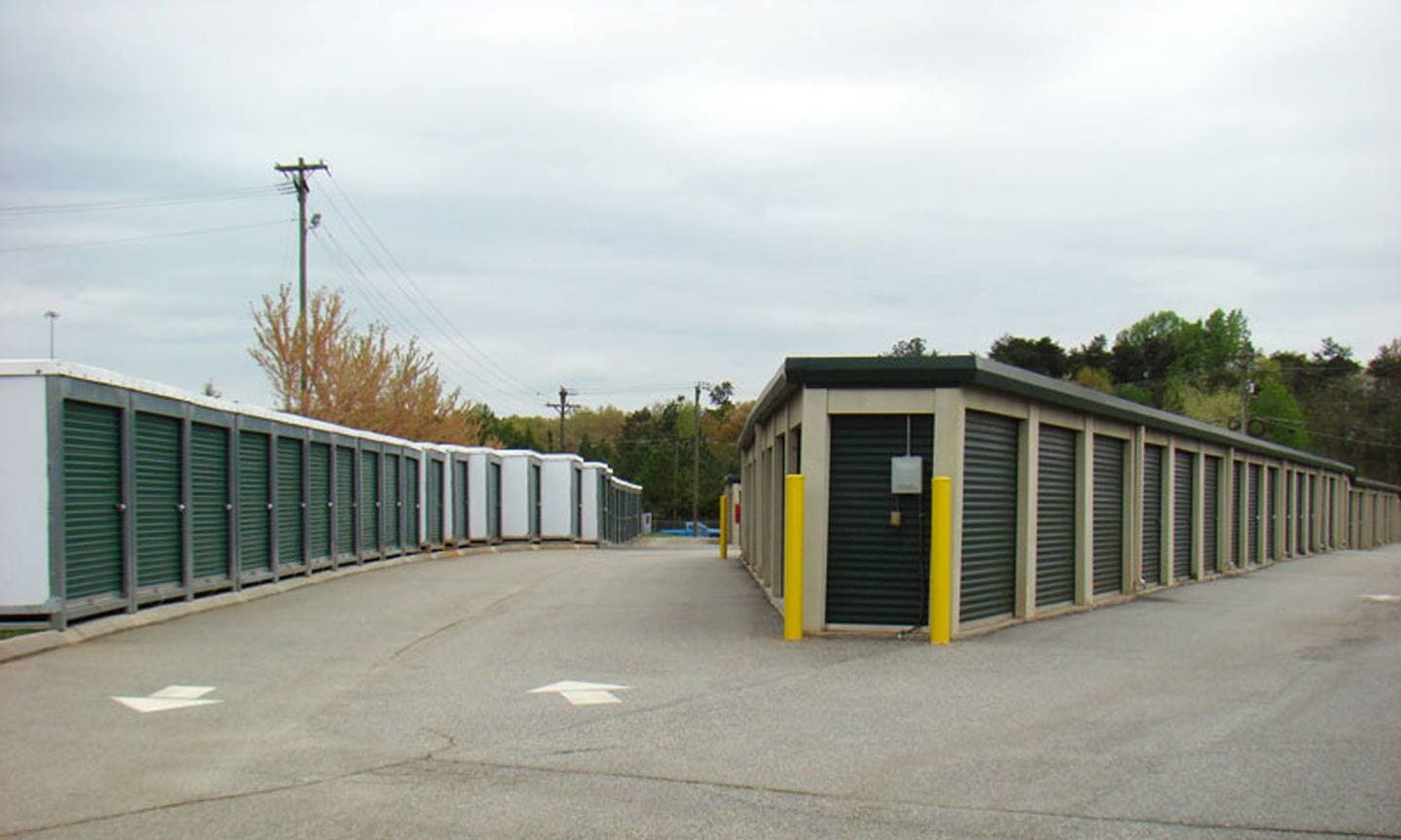 Clean self storage facilities in southwest Jamestown