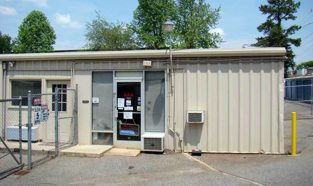 Excellent self storage options and prices in Kernersville