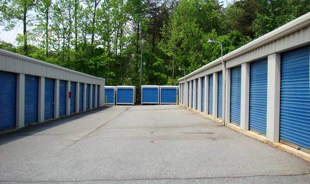 Clean and secure units for personal storage in Kernersville
