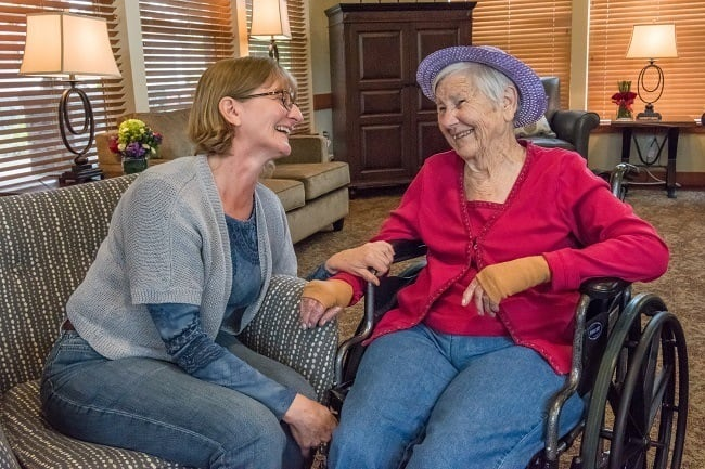 Enjoy time with family at our senior living facility in Sherwood, OR