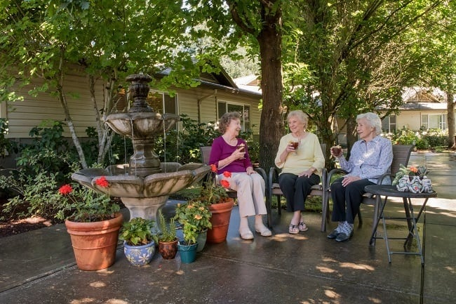 Enjoy time outside with friends in our senior living community in Wilsonville, OR