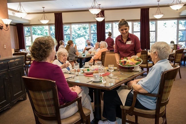 Enjoy good food and good company at our senior living community in Wilsonville, OR