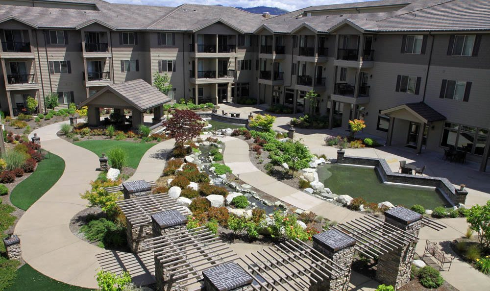 Take a stroll through of gorgeous courtyard in our senior living facility in Medford, OR