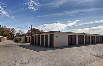 Metro Self Storage offers convenient storage solutions in Round Lake Beach