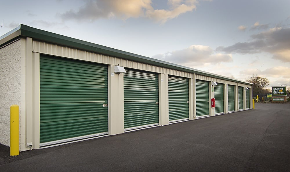 Metro Self Storage Bd Gallery Exterior Storage With Green Doors