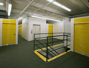 Metro Self Storage offers convenient storage solutions in Franklin Park