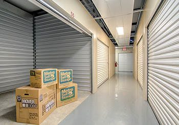 Metro Self Storage offers convenient storage solutions in Rex