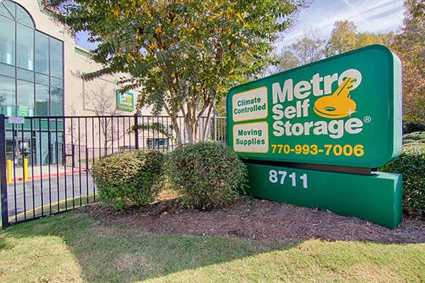 Metro Self Storage SS signage