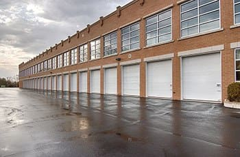 Metro Self Storage offers convenient storage solutions in Lake Bluff