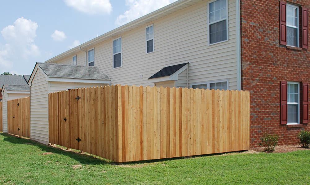 fenced yard at Beamon's Mill Townhomes in Suffolk, VA