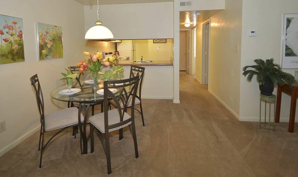 dining room at Piper's Landing Apartments in Virginia Beach, VA