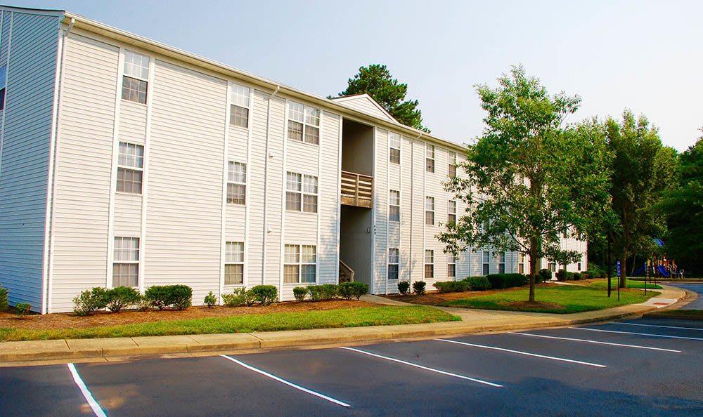 exterior of Piper's Landing Apartments in Virginia Beach, VA