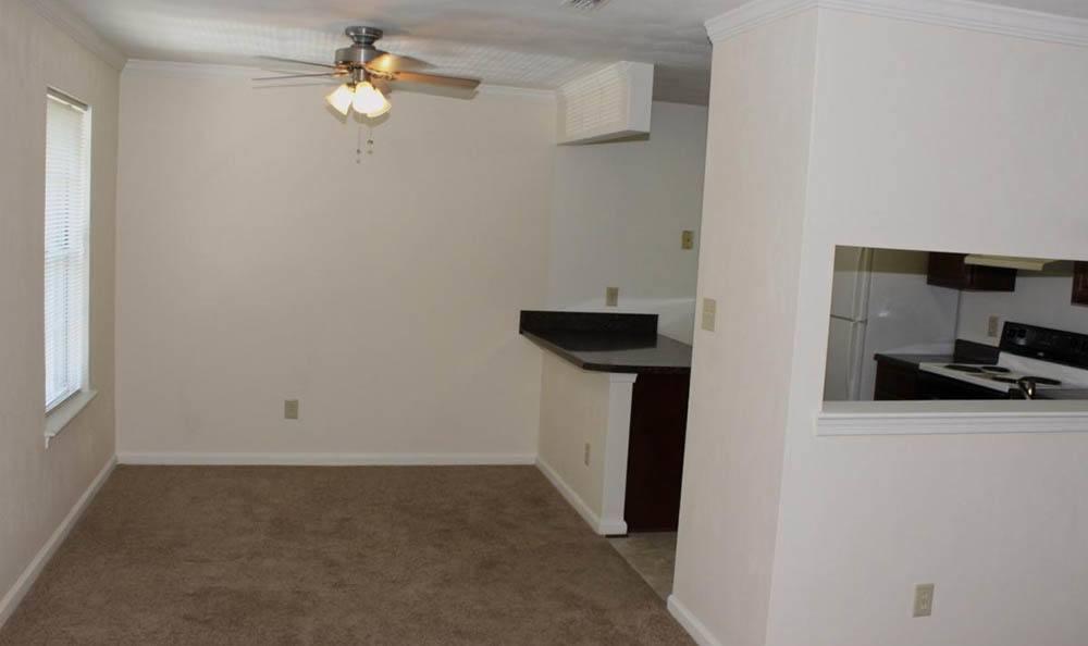 dining room at Meadowridge Apartments in Franklin, VA