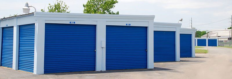 Our self storage facility in Portsmouth offers lots of great features for your convenience