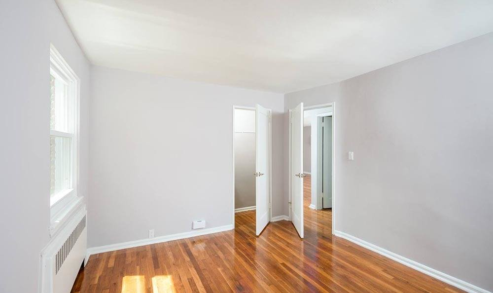 Hardwood floors at apartments in Springfield, NJ