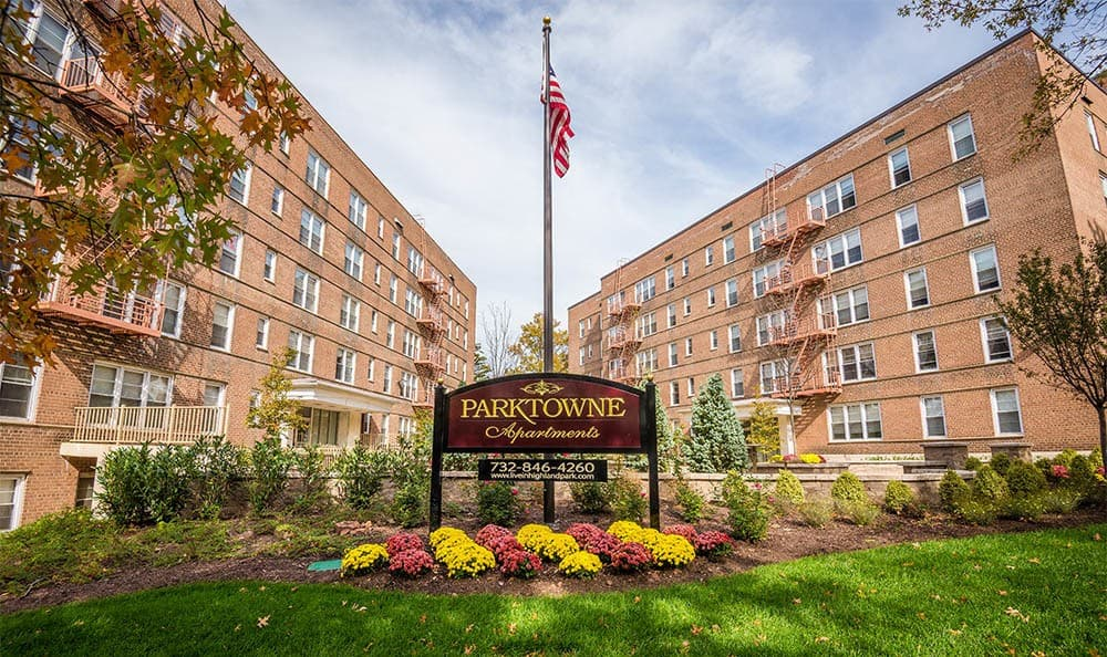 Parktowne Signage in Highland Park, NJ