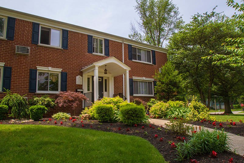 View the amenities offered at Orchard Gardens Apartments in Highland Park, NJ