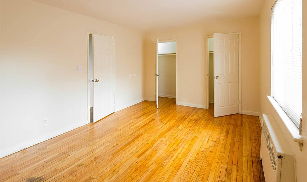Orchard Gardens Room And Closets in Highland Park, NJ