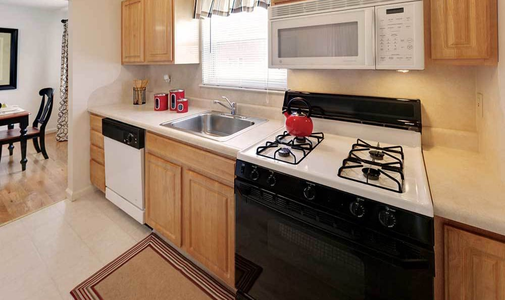 Piscataway Upgraded Apartment Kitchens