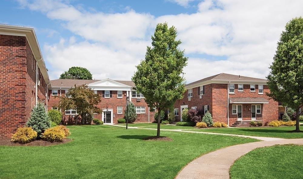 Landscaping at apartments in Wayne, NJ