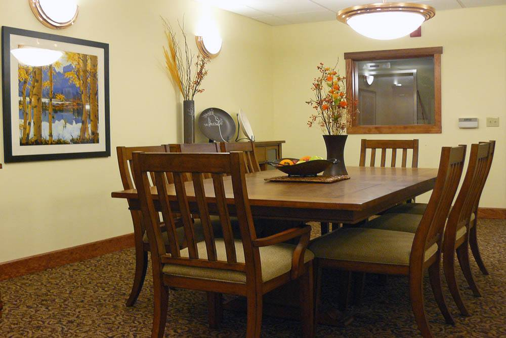 casual private dinning room inside Moran Vista