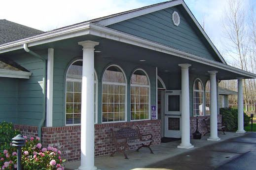 grand front entrance of Bridgecreek Memory Care in OR