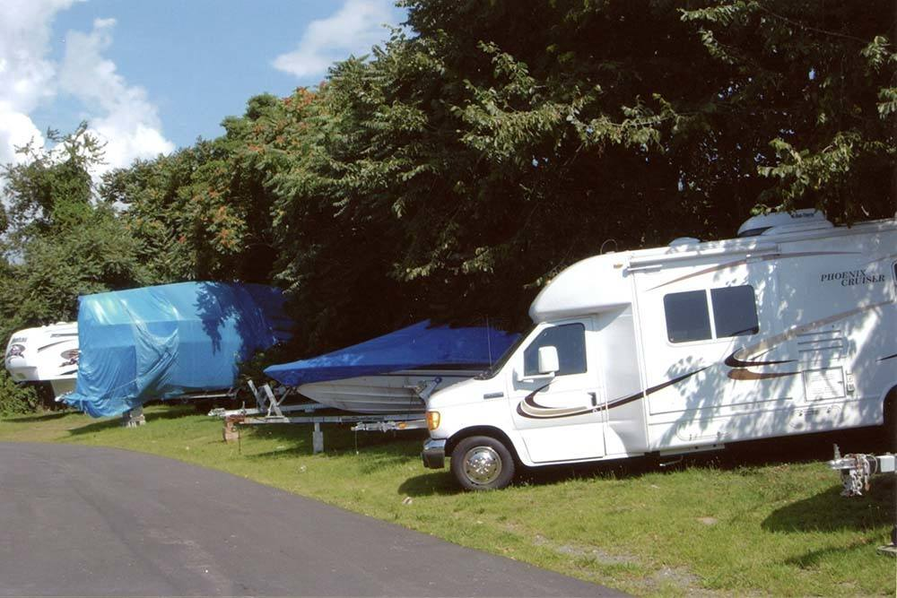 Global Self Storage offers RV, boat, and car parking in Clinton, CT.