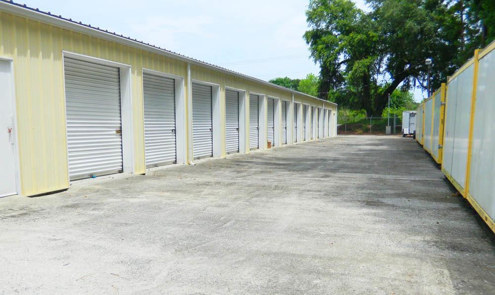 Exterior spacious units at Global Self Storage in Summerville, SC