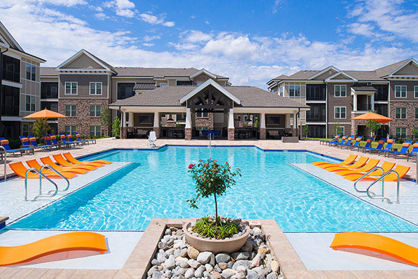 Pool at Silver Collection Signature Series in Fredericksburg, Virginia