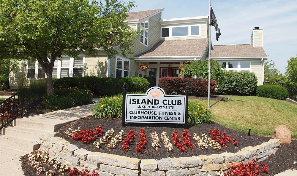 Clubhouse at Island Club Apartments