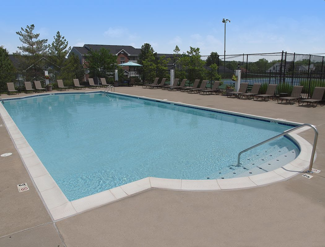 Swimming pool at Shadow Ridge