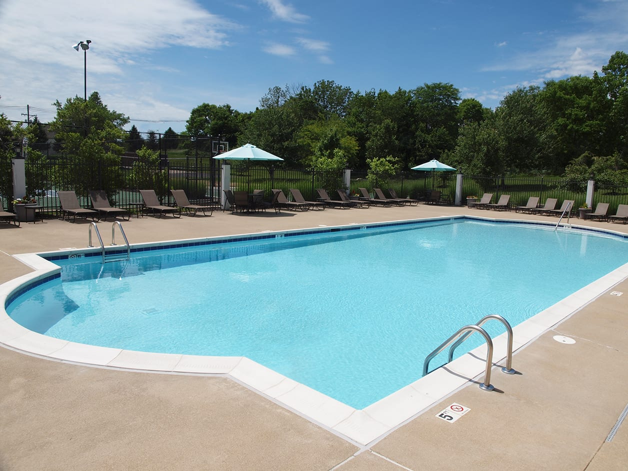 Pool at Shadow Ridge in Louisville, KY