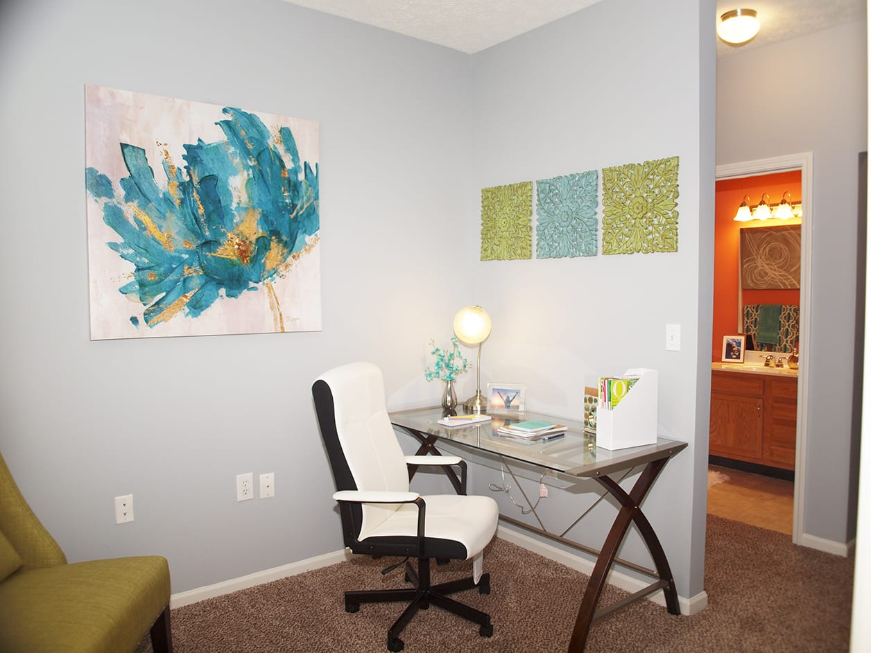 Home study room at Shadow Ridge in Louisville, KY
