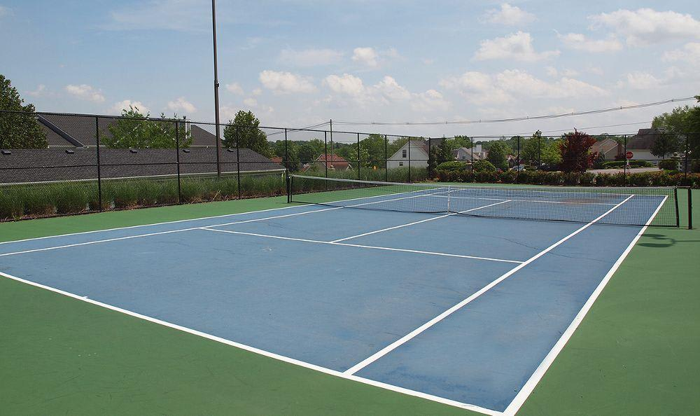 Tennis court at Shadow Ridge in Louisville, KY