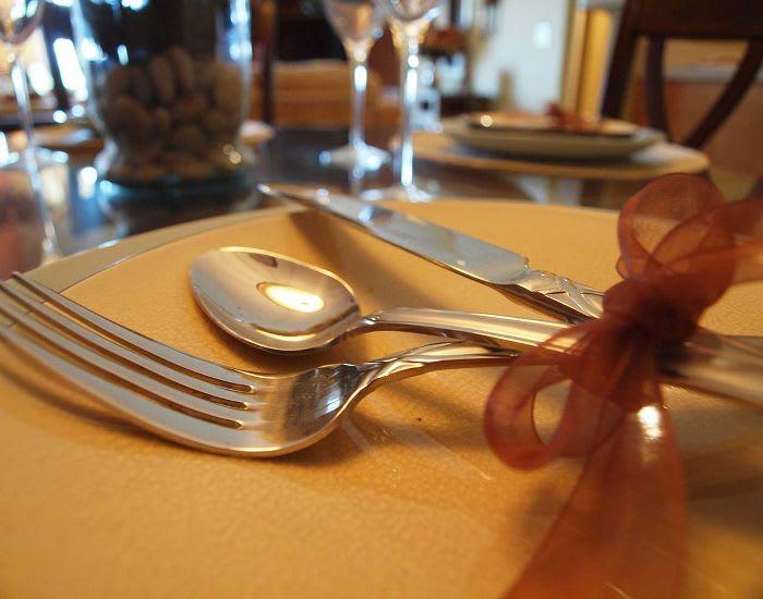 Emerald Lakes offers Steel cutlery