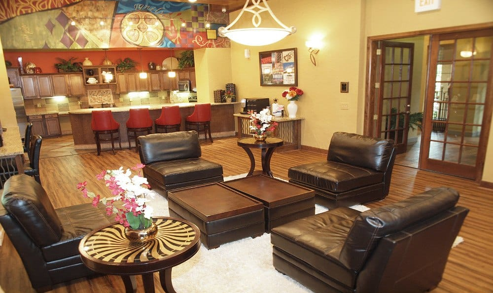 Clubhouse gathering area at Summerwind Apartments