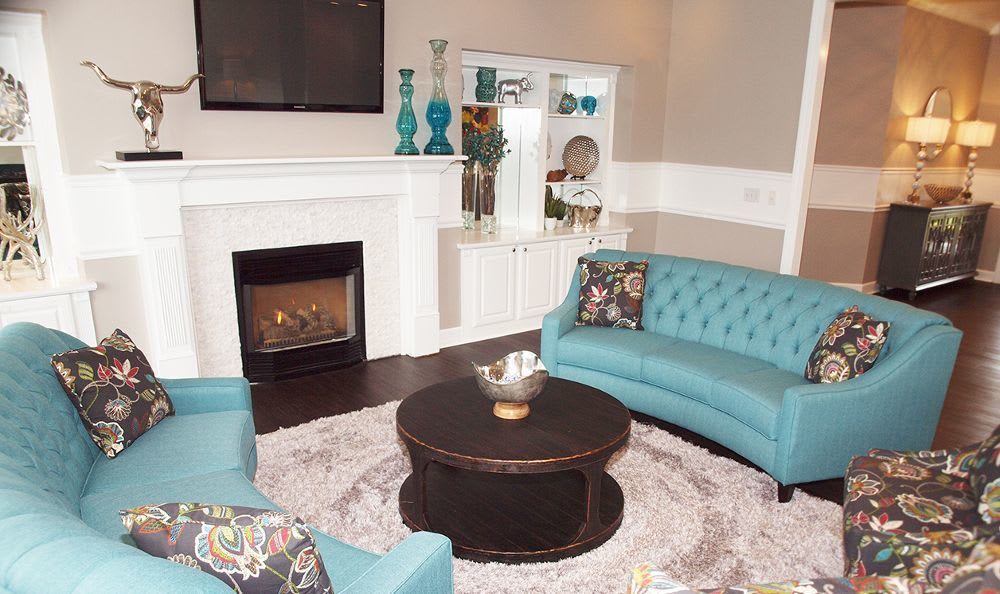 clubhouse living room at The Landings at Beckett Ridge in