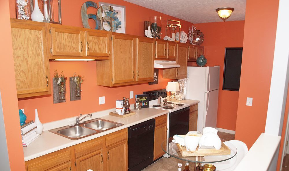 kitchen room at The Landings at Beckett Ridge in