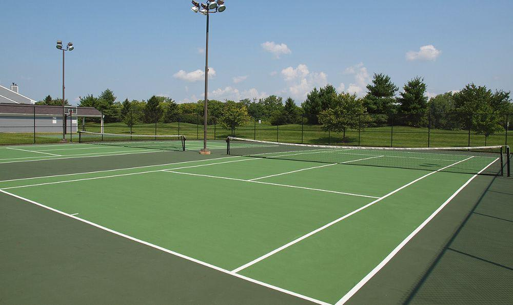 tennis courts at The Landings at Beckett Ridge in