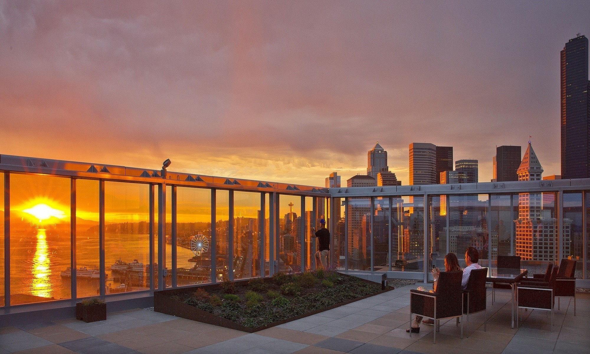 The Wave: Luxury Apartments in Downtown Seattle, WA