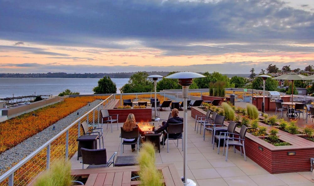 Roof top dining options at our apartments in Kirkland, WA