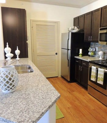 kitchen at Jamestown Place Apartment Homes in Bossier City, LA.