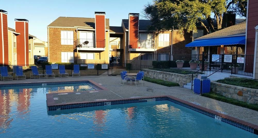 Pool Deck at Place on the Park