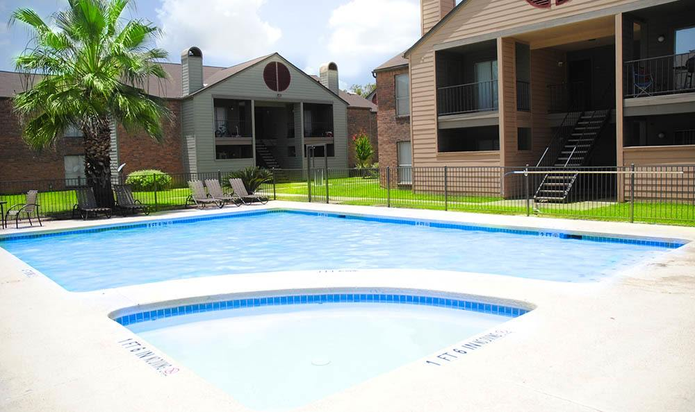Beautiful pool area at apartments in Bay City