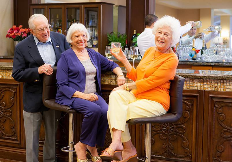 Senior living in Carlsbad CA has happy residents