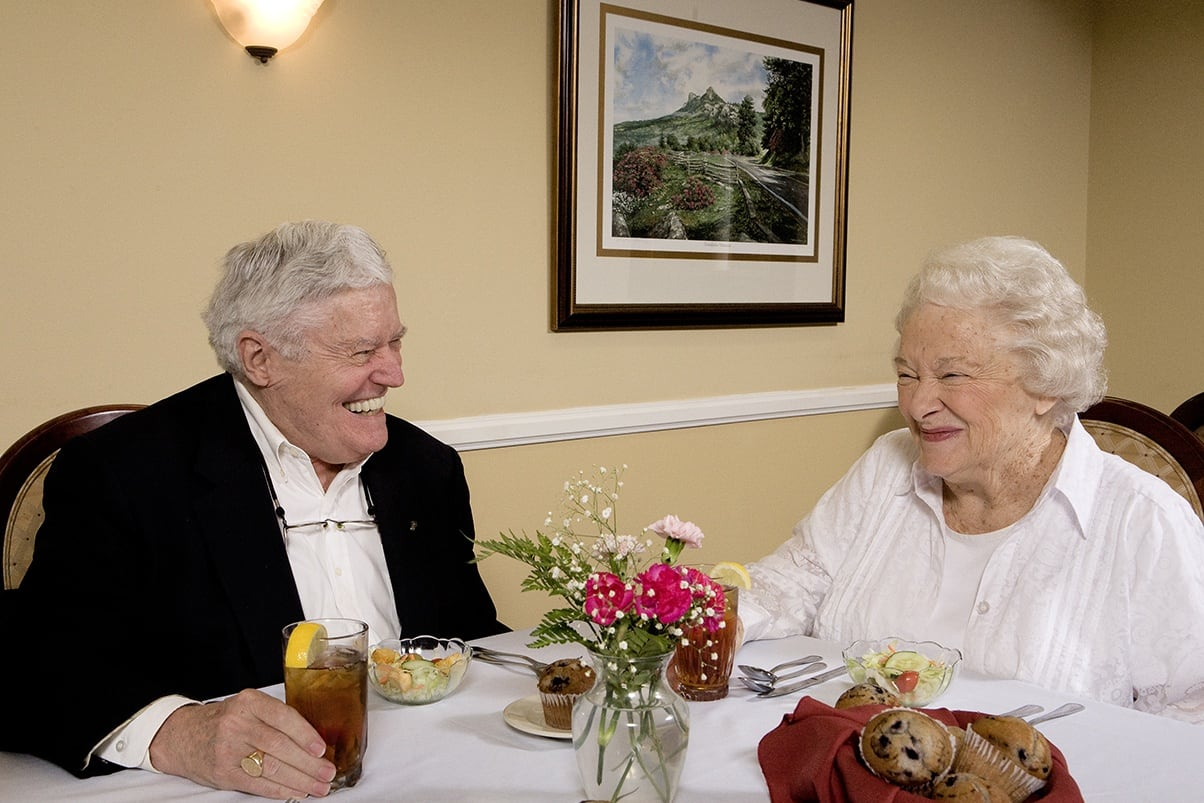 Group Dining At Senior Living In Greensboro North Carolina