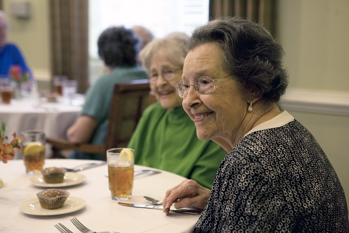 Group Meals At Senior Living In Raleigh North Carolina